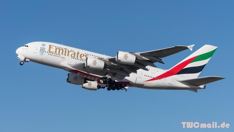 Emirates Airbus A380-861 A6 EER MUC 2015 04